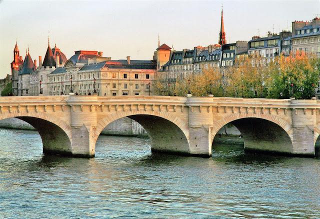 Ponte Nova, Paris