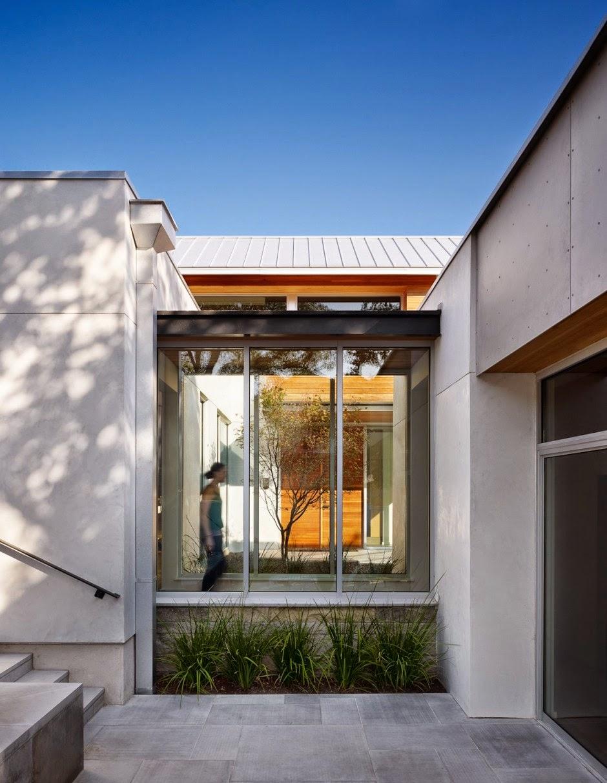 Hogares frescos casa en texas revelando un c modo estilo for Casa moderna 44 belvedere