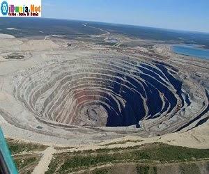 lubang terbesar didunia
