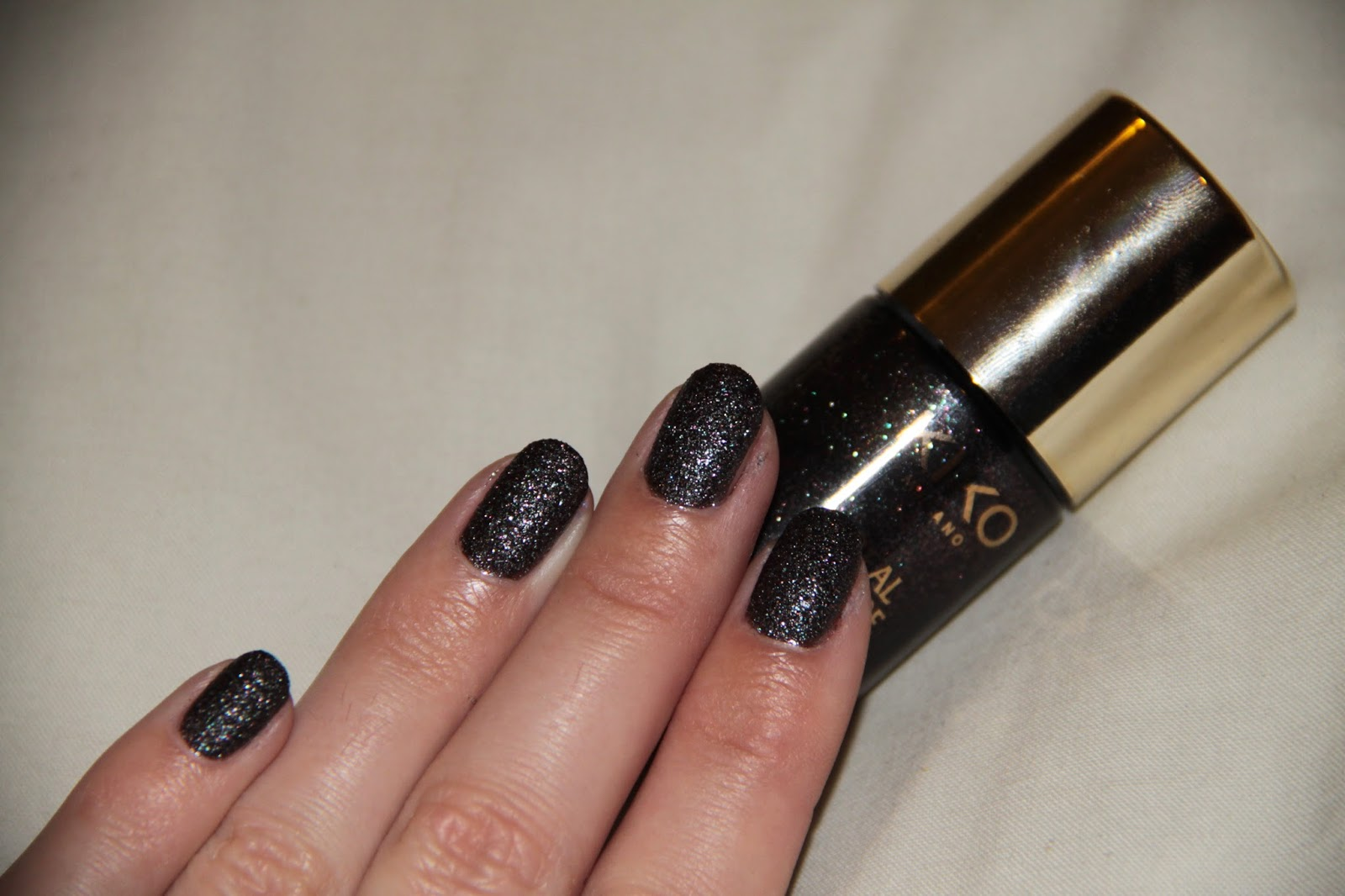 Kiko, Real Glare, nail lacker, 6 Exciting Dark Brown, vernis, texturé, sugar mat