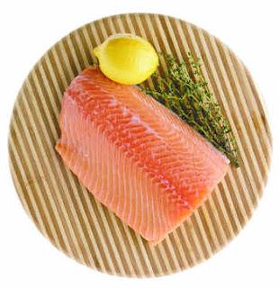 menkonsumsi salmon dapat membantu mengatasi jerawat