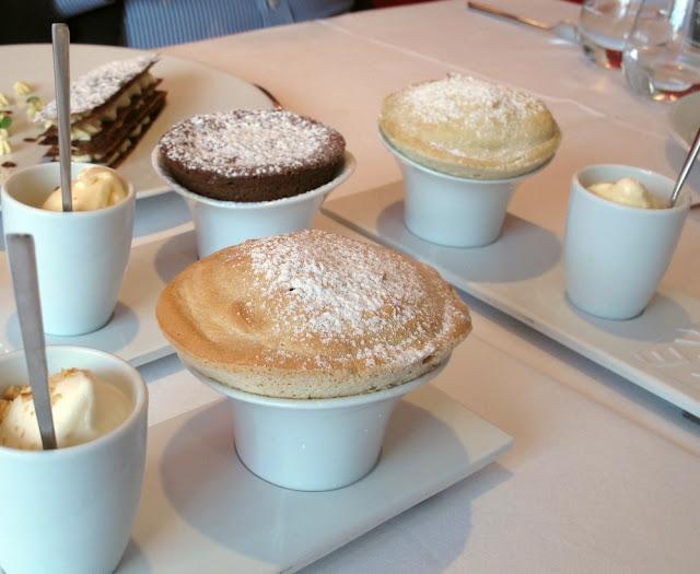 Restaurant Auguste - Paris - Souffés chocolat, pistache de Sicile, et noisette du Piémont