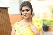 Telugu actress samatha glamorous photos-thumbnail-7