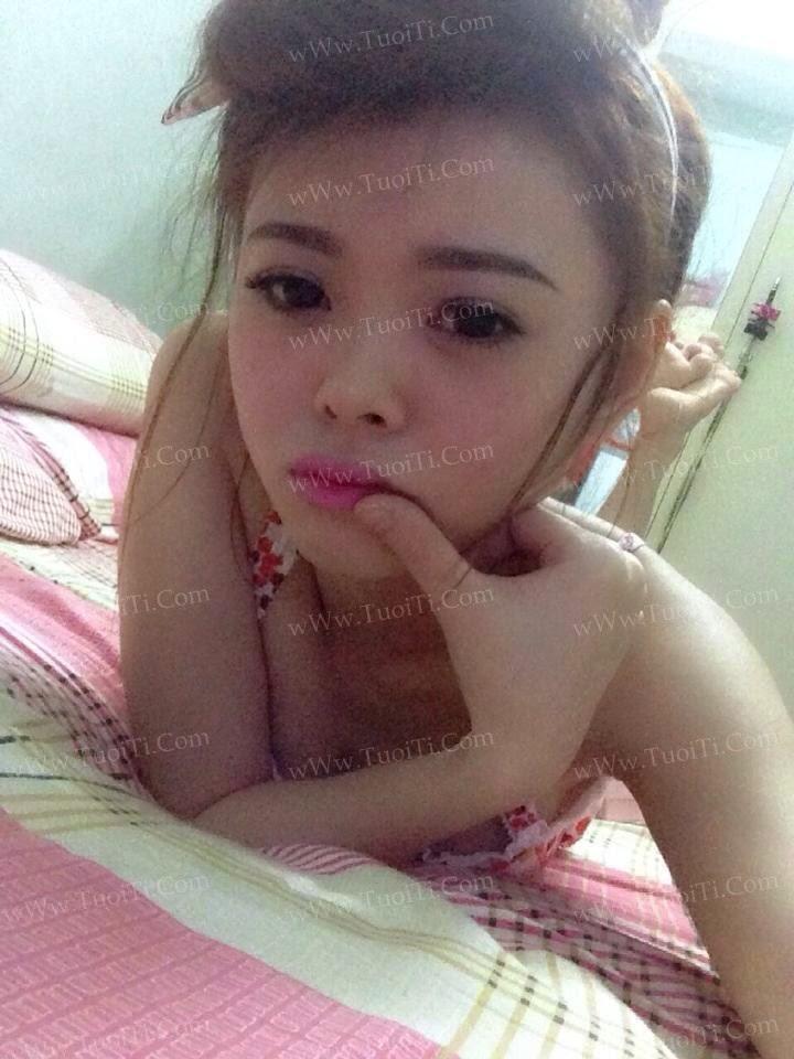 Ảnh gái xinh Yuni Trang trẻ nhưng siêu dâm 10
