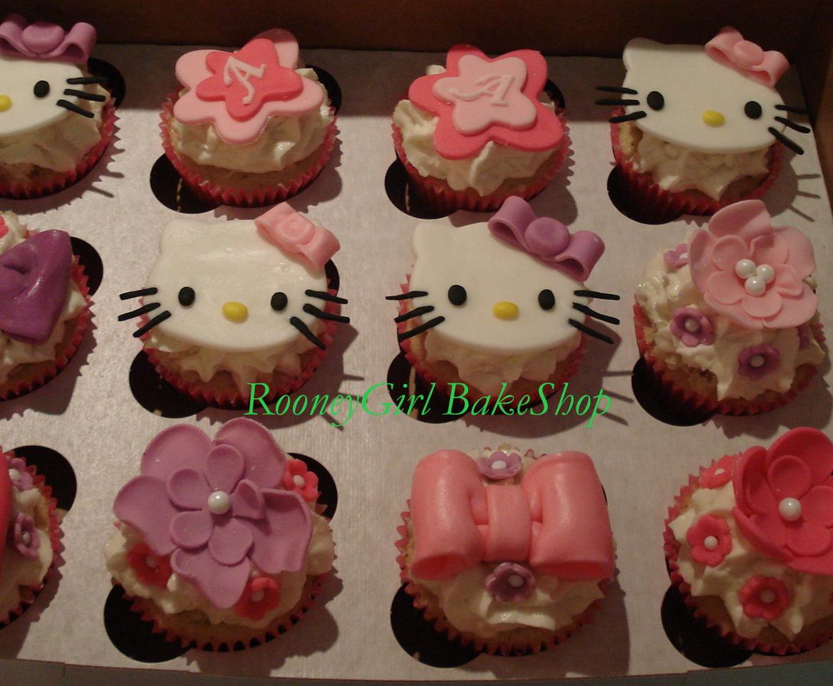 http://2.bp.blogspot.com/-UcRa1B-aoj4/Tz3uymdUdMI/AAAAAAAAAVk/i8ZoGsBXO2I/s1600/hellokittycupcakes.jpg