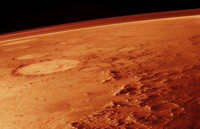 La clamorosa scoperta della presenza di acqua su Marte