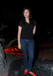 Isha Chawla Latest Picture Gallery in Black Tight Top and Jeans  0004.jpg