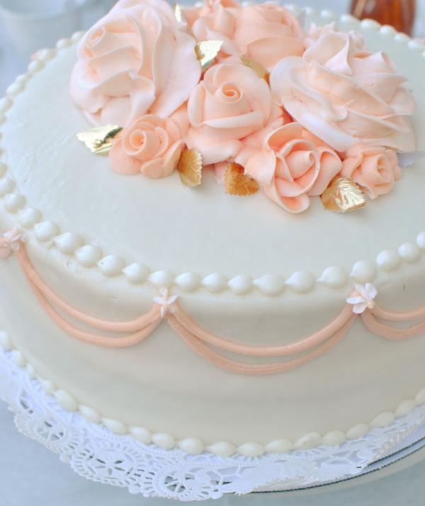 pretty cake decorations
