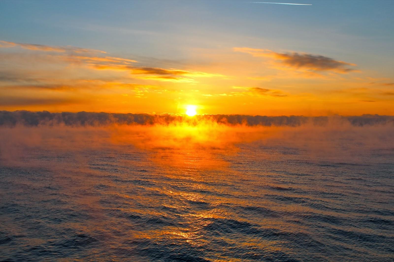 Ra ra mazputin lake baikal summer break or winter wonderland for Summer lake