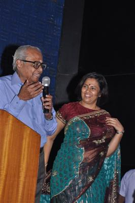 Lakshmi Ramakrishnan Navel