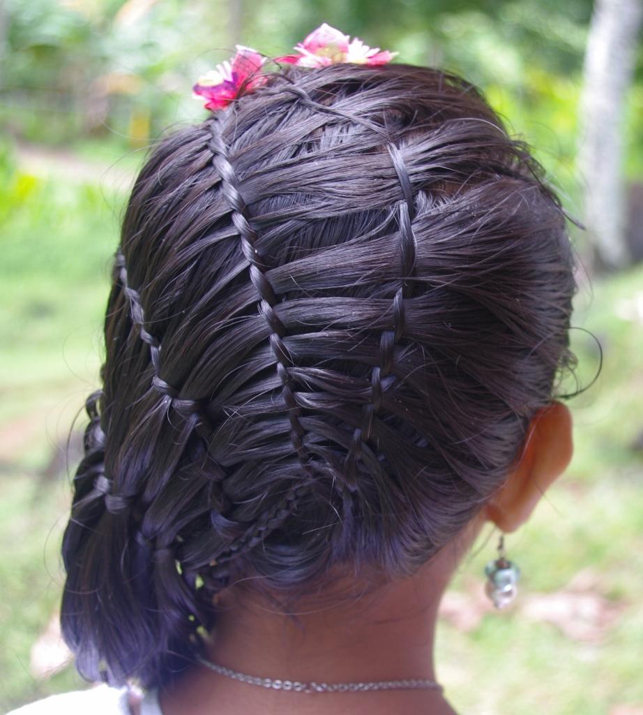 beach curl hairstyles : & Hairstyles for Super Long Hair: Micronesian Girl~ Basket-Weave ...