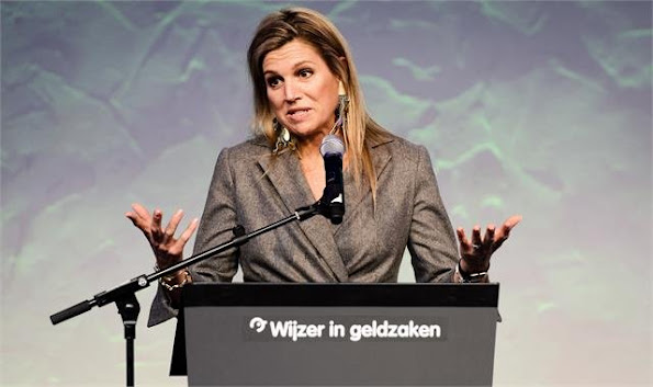 Queen Maxima attended the annual symposium of the Wijzer in Geldzaken ( Money matters) platform at the Tobacco theater
