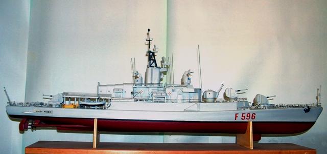 Modelli di navi luigi rizzo f596 for Modelli di case italiane