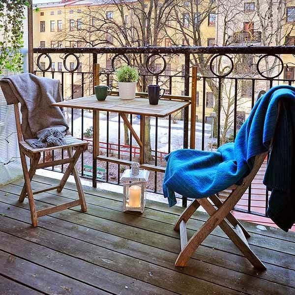 I d e a mesas abatibles para el balc n o terraza for Mesa plegable para balcon