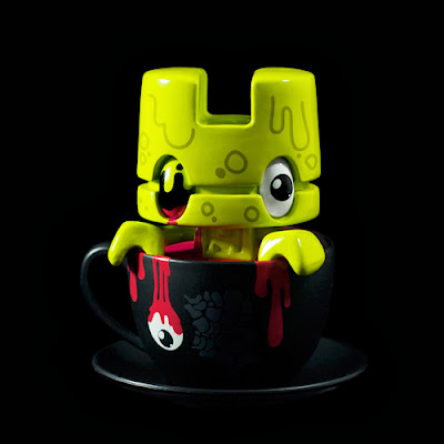 """Witches Brew"" Lunartik Mini-Tea Halloween Vinyl Figure by Matt JOnes"