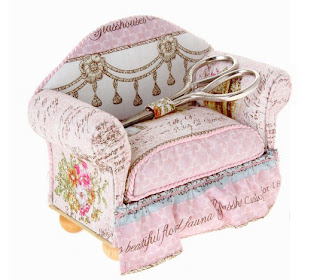 RTO. Винтаж. Старинный диван и ножницы