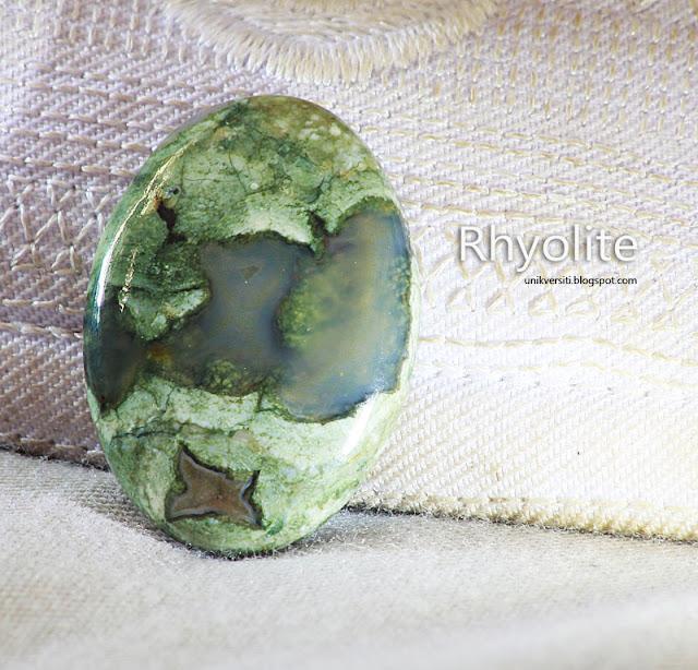 Batu permata Rhyolite