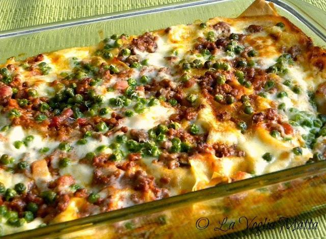 lasagne al ragù con piselli