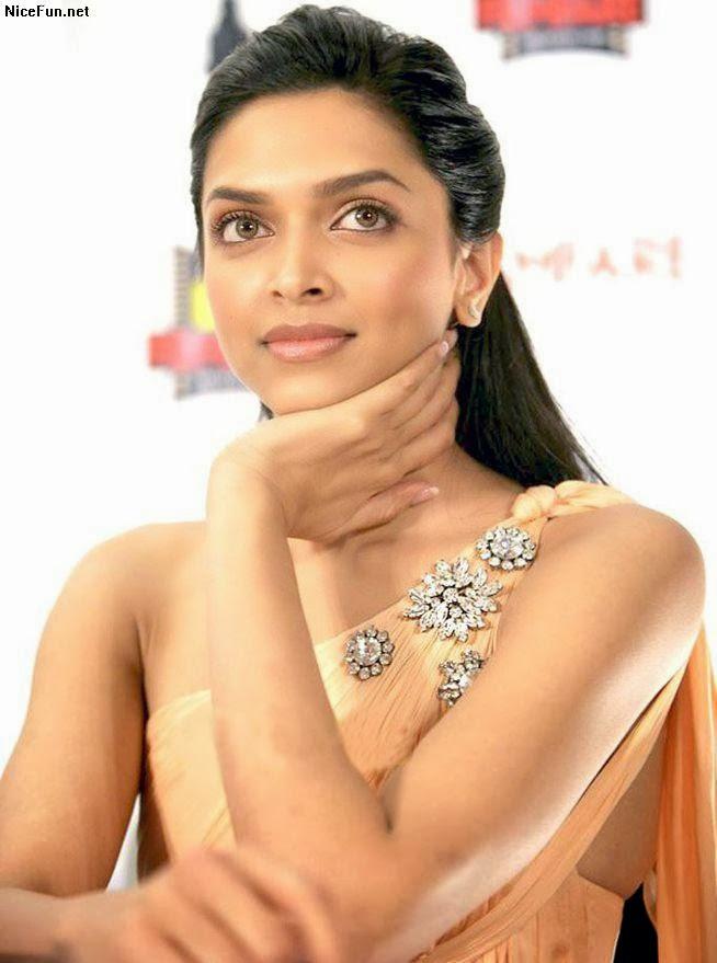 Deepika Padukone Sexy Wallpapers: Dipika Padukon Different Looks Foto