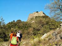 Ascendint per la drecera en direcció al Castell d'Orís
