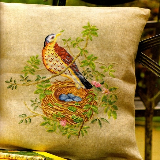 Вышивка крестом подушки с птицами 583