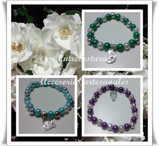 Pulsera perlas blancas y azules, lilas o verdes. Entrecosturas. Accesorios artesanales.