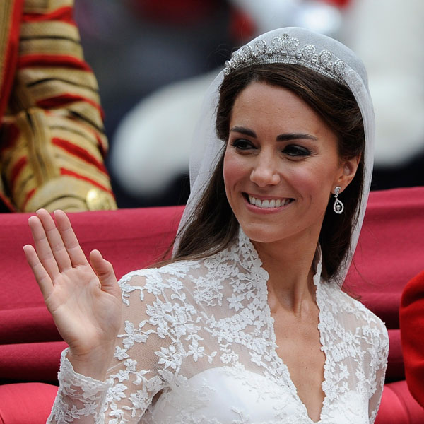 kate middleton wedding gown image. kate middleton wedding dress