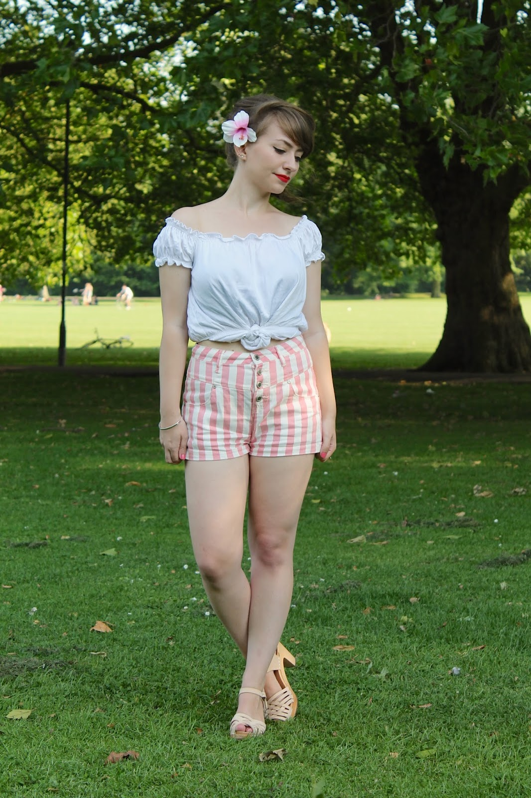 Summer pin-up outfit with Swedish Hasbeens Braided Sky Highs