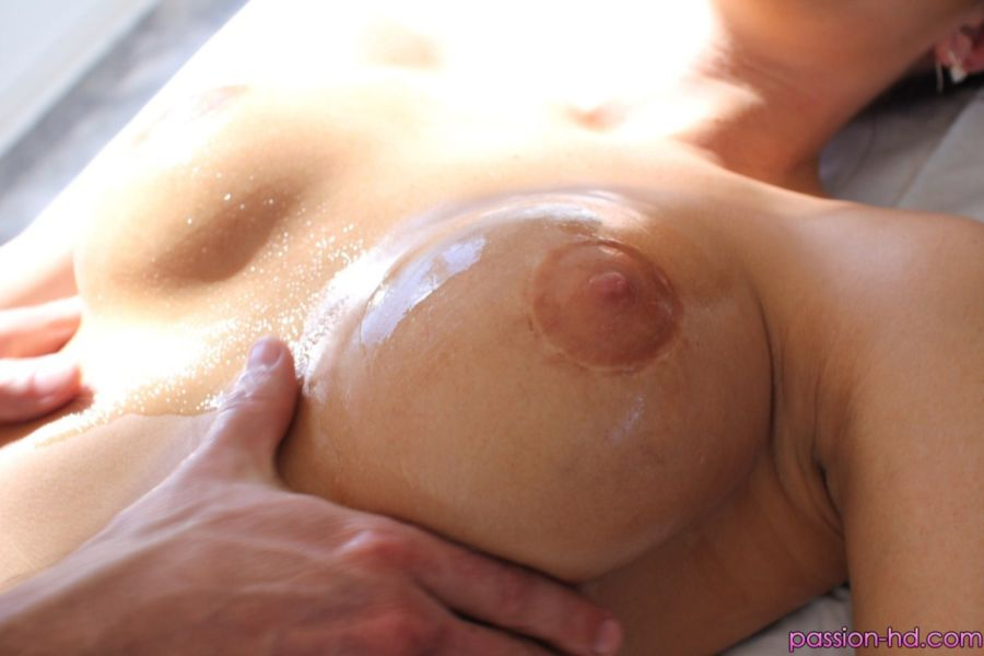 erotic genital massage nud massage girl