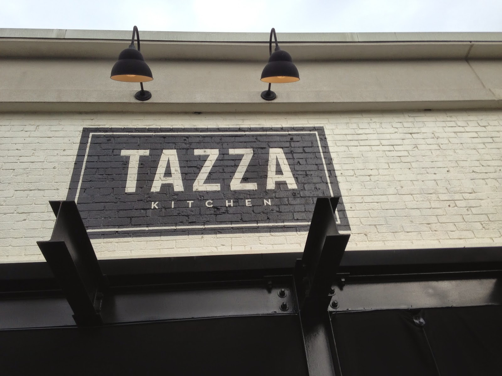 Gadding about with grandpat tazza kitchen replaces cafe for Tazza kitchen
