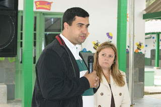 O Secretário Municipal de Educação, Leonardo Vasconcellos, destaca as ações pela reconstrução da Educação em Teresópolis