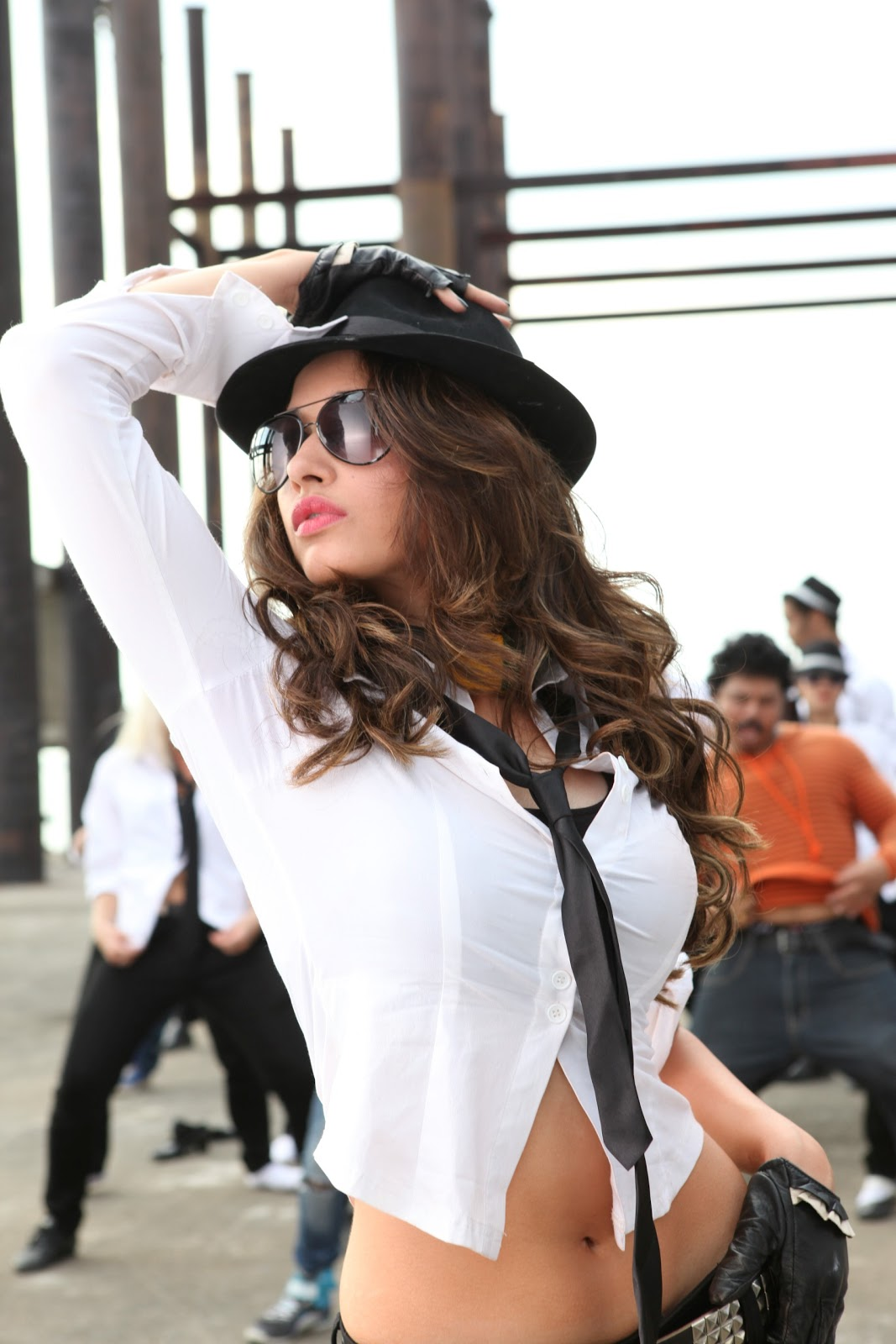 bollywood, tollywood, hot, Tamanna, Sizzling, Red, from, Rebel, Photo, Gallery