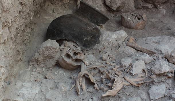 Descoberta sepultura maia com dezenas de corpos mutilados