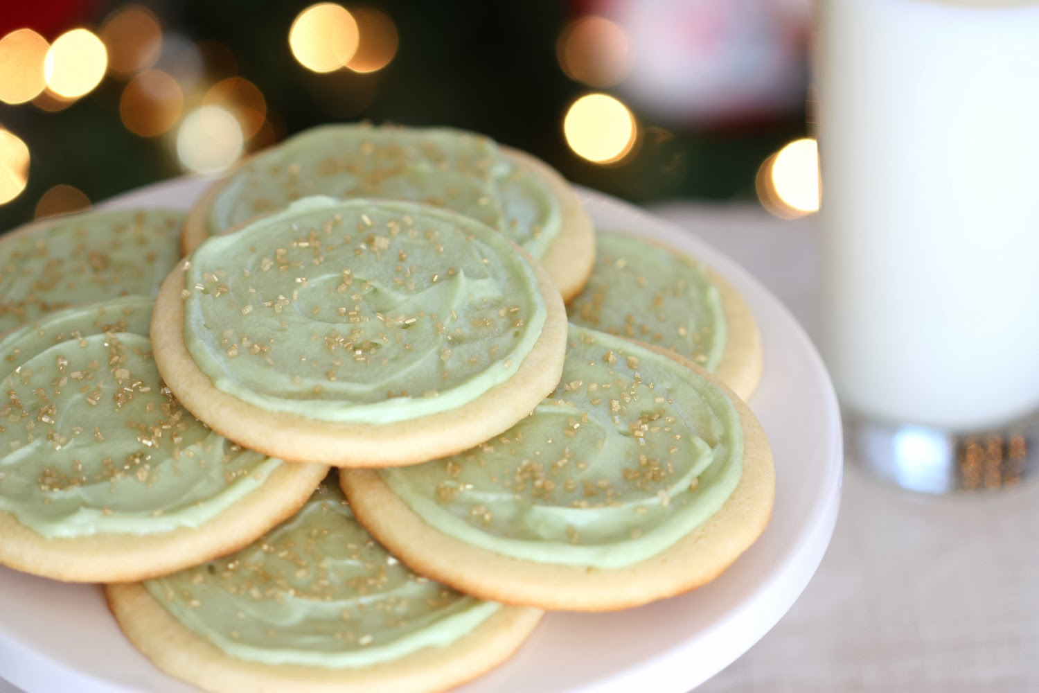 That Winsome Girl: White Velvet Cutouts {My Favorite Christmas Cookie}