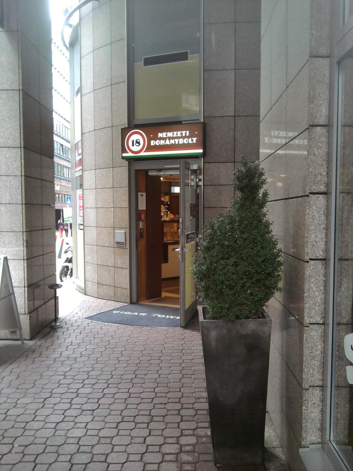 Rogán Antal, Csetényi Csaba, Cigar Tower, Kempinski, Bécsi utca, Nemzeti Dohánybolt,  Krskó Tibor