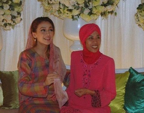 Gambar Pertunangan Farid Kamil-Diana Danielle | Simple Betul