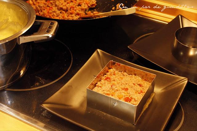 pastel de carne con un par de guindillas gastronom u00eda rabano rallado ensalada ensalada de rabano rallado