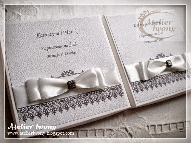 black and white, noir et blanc, zaproszenia biało-czarne, ponadczasowa elegancka, ruban, bow, ribbon, printed lace, drukowana czarna koronka, wstążka, guzik ażurowy