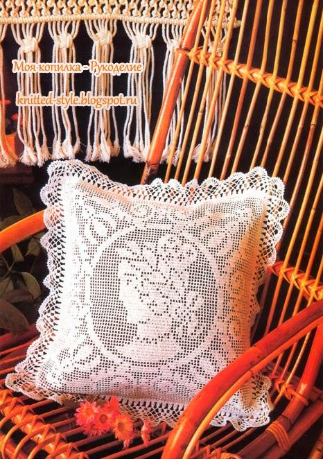 Изумительно красивая подушка крючком в стиле винтаж