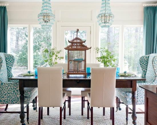 Cadeiras-diferentes-na-sala-de-jantar-1
