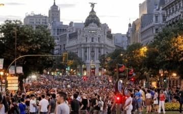 Indignados - Madrid: 20 FERIDOS EM CONFRONTOS ENTRE POLÍCIA E MANIFESTANTES
