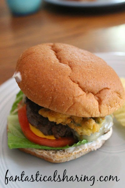 Jalapeno Crunch Burgers | Add a little heat to your burger with some little crunchy jalapeno rounds! #recipe #burger #jalapeno