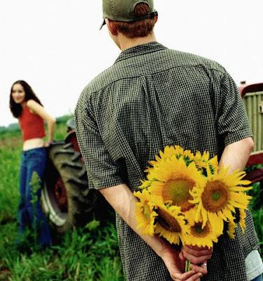 5 Hal yang Membuat Pria Mudah Jatuh Cinta