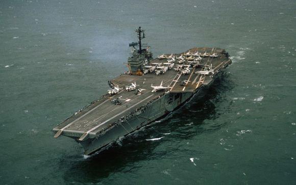 USS Forrestal saat perang Vietnam
