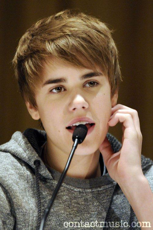 Justin Bieber Wallpapers,Justin Bieber Pictures,Justin Bieber Pics,