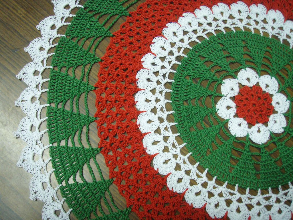 Free Crochet Cotton Christmas Patterns : Christmas Tree Doily Pattern ~ Free Crochet Patterns