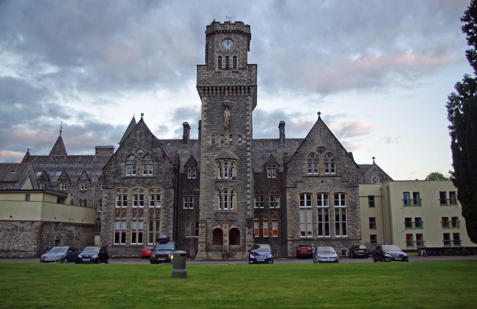 Karlstrands på resande fot: scottish highland club, fort augustus