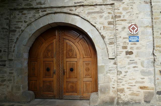 Entrada al Monasterio de Voroneţ