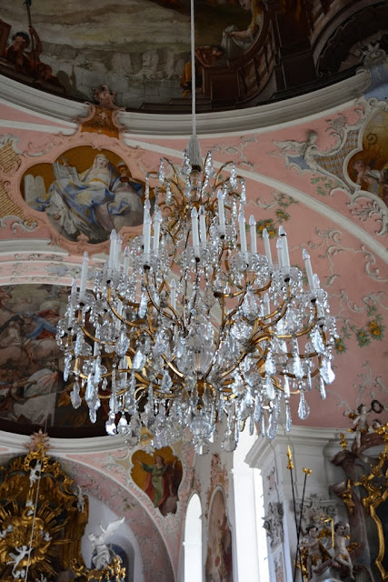 Pfarrkirche St Peter Paul Oberammergau chandelier