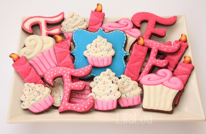 http://www.lilaloa.com/2013/06/pink-cupcake-birthday-cookies.html